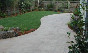 concrete-sidewalk-yard